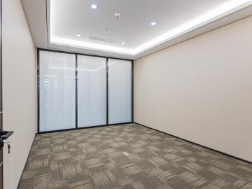 东久创新科技园云科城低层 589平米可备案 电梯口精装