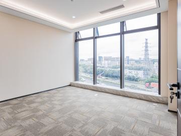 东久创新科技园云科城中层 589平米可备案 电梯口精装