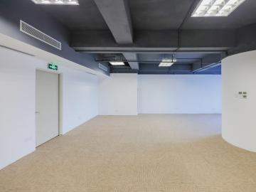 深茂商业大厦 310平米 可备案电梯口 低层高使用率
