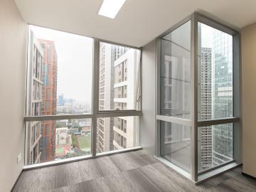 308平米大冲商务中心 中层紧邻地铁 可备案电梯口