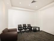 彩虹科技大厦 275平米 价格便宜电梯口 低层精装