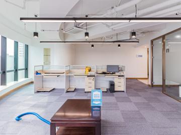 地铁出口 天安国际大厦 140平米可备案 中层位置优越写字楼出租