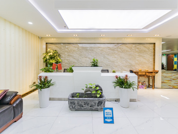 大中华国际交易广场中层 898平米可谈价 电梯口热门地段