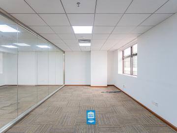 423平米证券大厦(福田) 中层可谈价 可备案电梯口