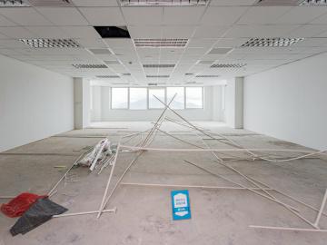 楼下地铁 地王大厦 169平米可备案 高层高使用率