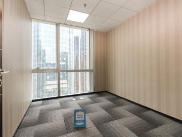 1098平米大冲商务中心 高层地铁口 电梯口精装