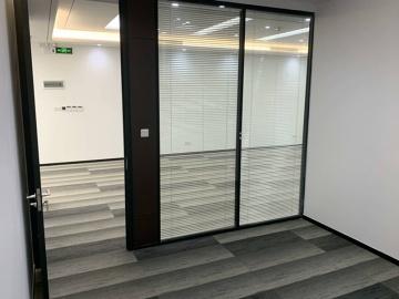 IBC环球商务中心 264平米 地铁口可备案 低层精装