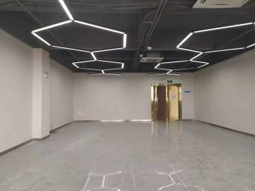 康淮电商中心 184平米 随时看房 高层