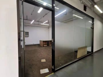 93平米C33创新产业园 低层楼下地铁 可备案精装