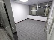 庐山大厦中层 275平米地铁口 可备案精装