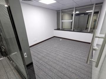庐山大厦 275平米 楼下地铁可备案 中层精装