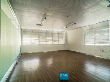 第一商务大厦 234平米 可备案 中层