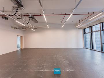 卓越前海壹号中层 166平米楼下地铁 可备案高使用率