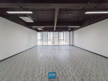 中海信创新产业城 210平米 有上下水可备案 中层精装