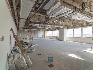 地王大厦中层 273平米楼下地铁 可备案业主直租