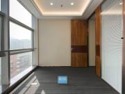 冠华大厦 88平米 紧邻地铁可备案 高层电梯口