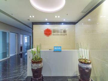 卓越时代广场一期中层 309平米楼下地铁 可备案业主直租