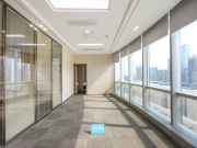 中洲控股金融中心低层 246平米可备案 电梯口精装