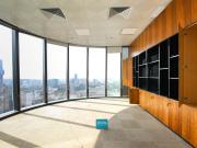 紧邻地铁 中国储能大厦 1961平米可备案 中层电梯口