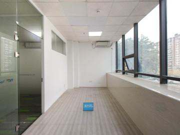 马家龙工业区 128平米 精装 低层
