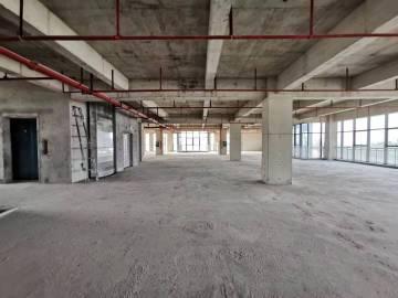 华通大厦低层 1546平米价格便宜 有上下水可备案