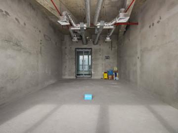 香江金融中心 94平米 地铁口可备案 中层