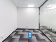 国通大厦 230平米 可备案精装 高层