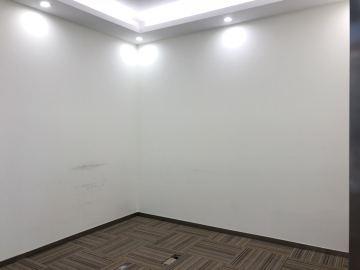 紧邻地铁 卓越前海壹号 219平米可备案 中层精装