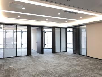 国际西岸高层 249平米沿地铁 红本备案位置优越写字楼出租