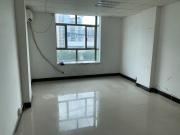 柏龙大厦 100平米 可谈价精装 中层