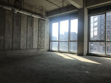 侨城坊 758平米 可租整层商业完善 中层