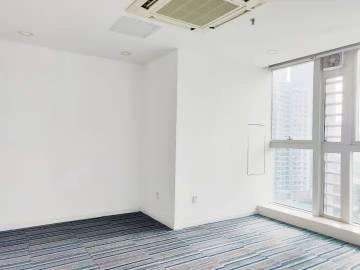 近地铁 兆邦基金融大厦 101平米可备案 中层电梯口