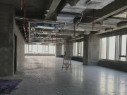 IBC环球商务中心 261平米 楼下地铁可备案 中层