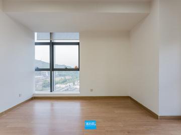 凯达尔中心 73平米 楼下地铁可备案 中层精装