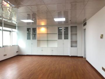 地铁口 万通大厦 115平米精装 高层热门地段
