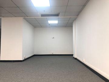 万通大厦低层 116平米紧邻地铁 精装配套完善
