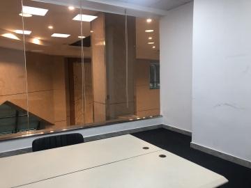 万通大厦低层 60平米地铁口 精装商业完善