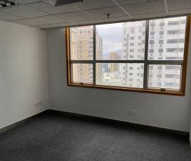 深华商业大厦 226平米办公室