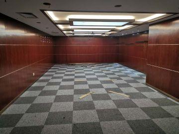 深房广场中层 1107平米楼下地铁 可备案热门地段