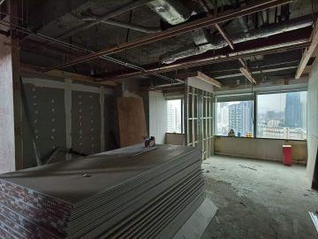 中信城市广场中层 224平米紧邻地铁 可备案电梯口