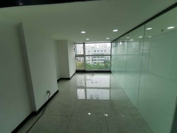 新天世纪商务中心 143平米 地铁口可备案 低层热门地段