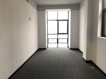 山海商务中心 148平米 精装配套完善 中层