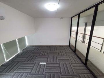 近地铁 新天世纪商务中心 136平米可备案 低层精装