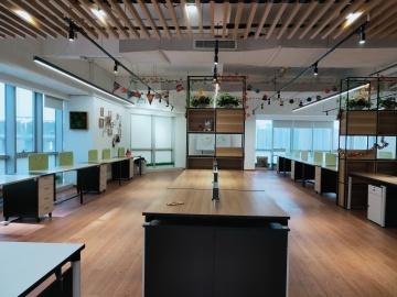 国际商会中心 285平米 地铁出口可备案 低层使用率高写字楼出租