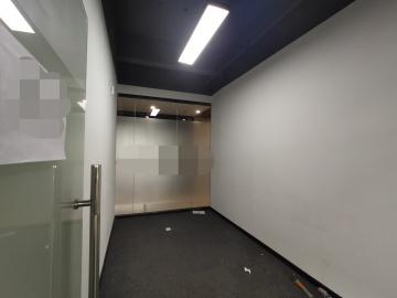 坂田国际中心高层 693平米可备案 精装配套完善