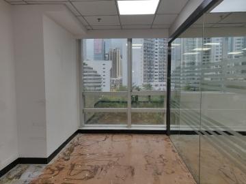 101平米万通大厦 低层近地铁 精装商业完善
