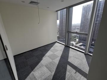 楼下地铁 荣德国际大厦 316平米可备案 低层精装
