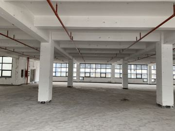华侨城创意文化园 170平米 可备案 中层