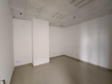 162平米龙胜时代大厦 中层高使用率 精装热门地段