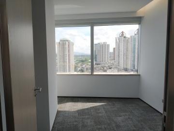 紧邻地铁 中信城市广场 253平米可备案 中层电梯口